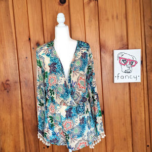 NWT Romeo & Juliet Couture Medium Floral Romper